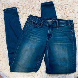 3 for $30 Universal Thread Jeans / 6